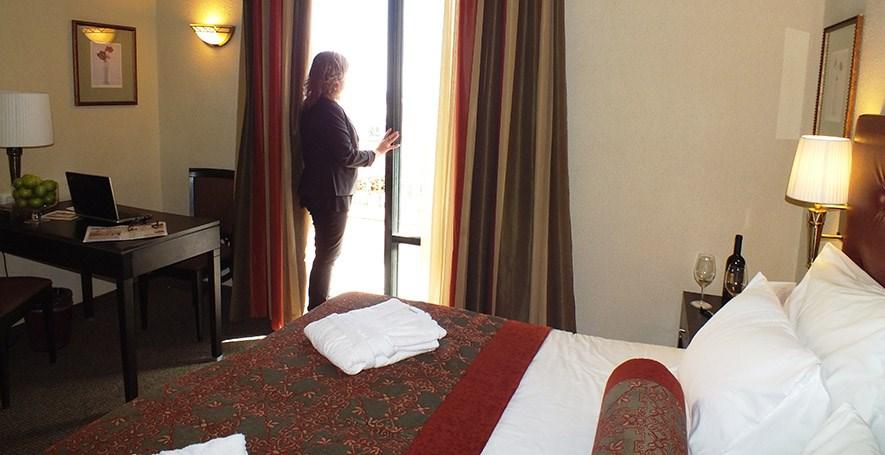 פרימה המלכים - חדרי דלקס עם מרפסת