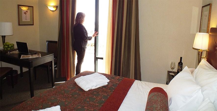 פרימה המלכים - חדרי סטנדרט עם מרפסת