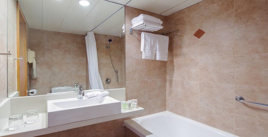 פרימה סיטי - שירותים ומקלחת